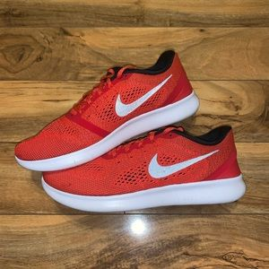 😱 MENS SIZE 11.5 NIKE FREE RN RUNNING SHOES